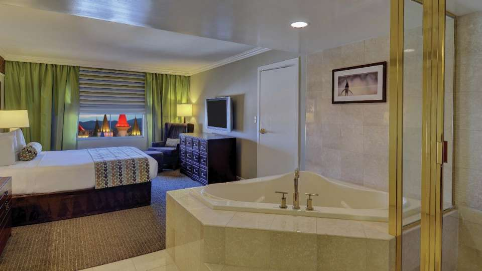 Excalibur Las Vegas Resort Luxury Suite