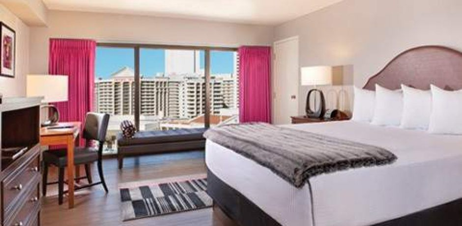 Flamingo Las Vegas Fab Room 1 King