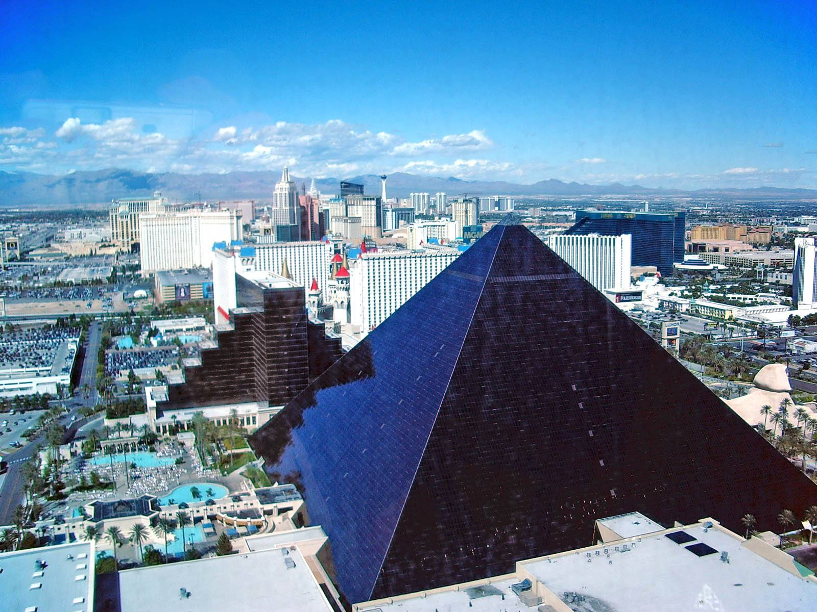 Luxor Hotel Casino Las Vegas Lasvegasjaunt Com