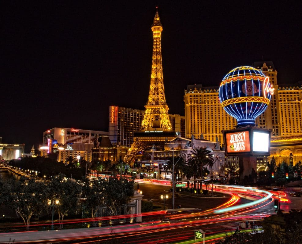 Before you fly to Las Vegas, buy discount show tickets online to save time and money
