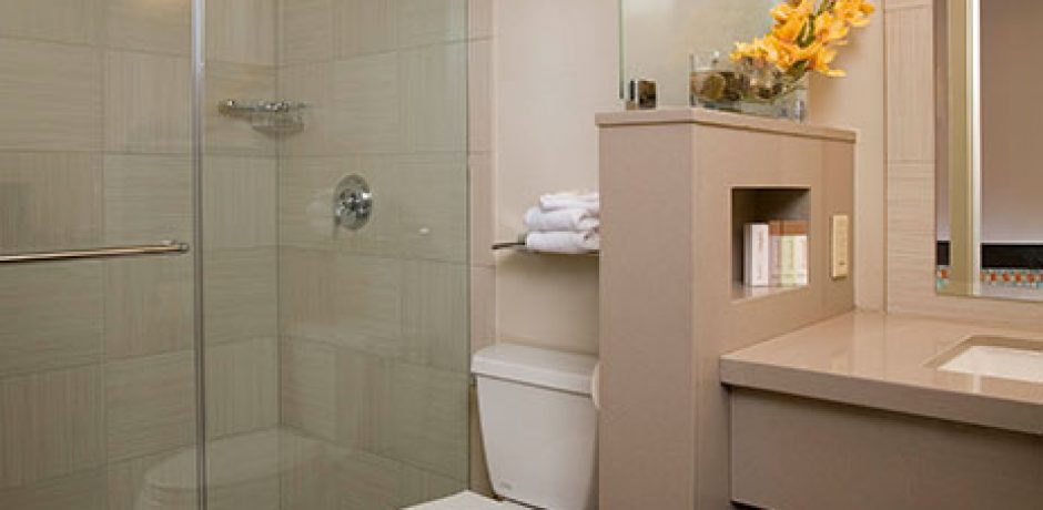 Gold Coast Las Vegas Deluxe Room Bathroom