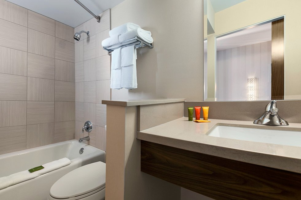 Gold Coast Las Vegas Premium King Room Bathroom