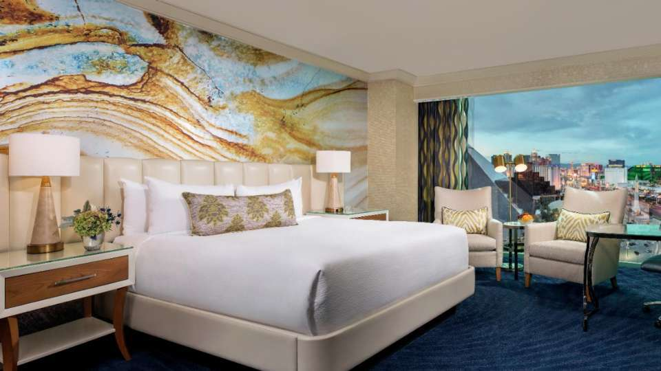 Mandalay Bay Las Vegas Deluxe Room 1 King