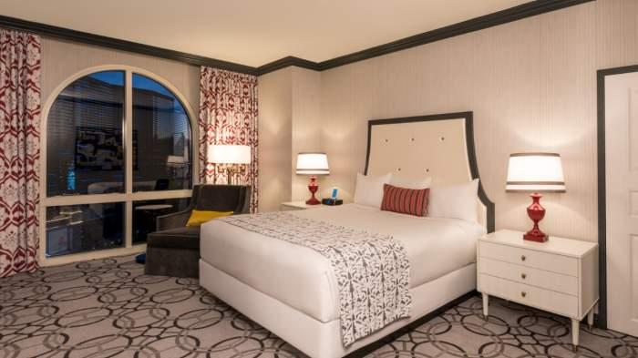Paris Las Vegas Burgundy Room 1 King