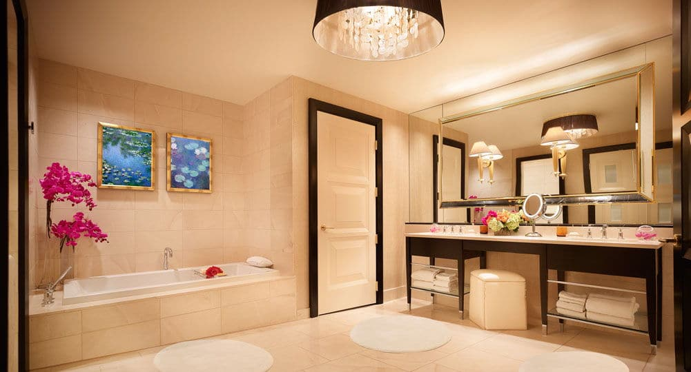 Encore Las Vegas Parlor Suite Bathroom