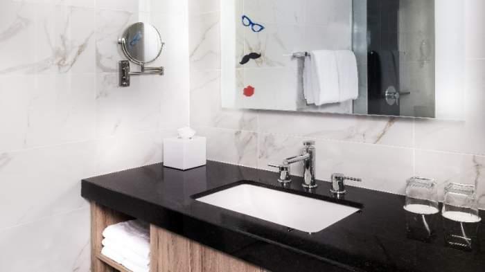 The Linq Las Vegas Bunk Bed Deluxe Room Bathroom