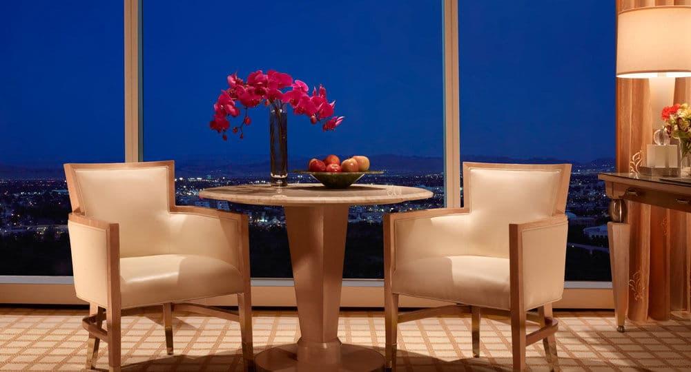 Wynn Las Vegas Deluxe Panoramic Corner Room