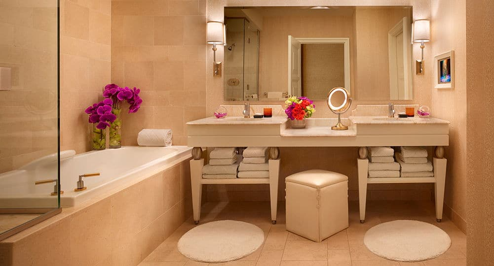 Wynn Las Vegas Deluxe Panoramic Corner Room Bathroom