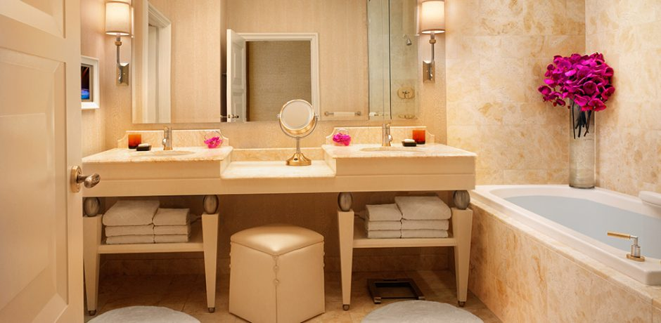 Wynn Las Vegas Deluxe Resort Room Bathroom