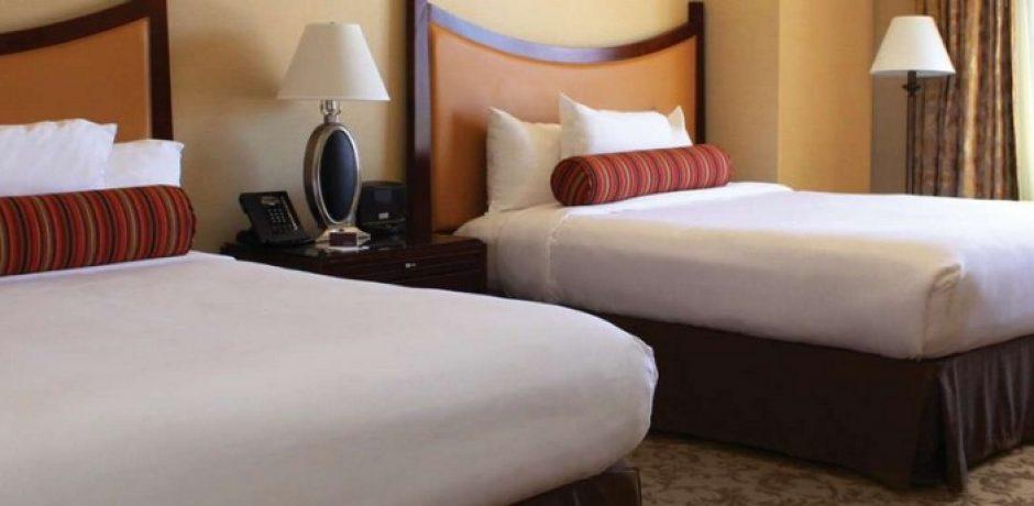 Monte Carlo Las Vegas Deluxe Queen Room