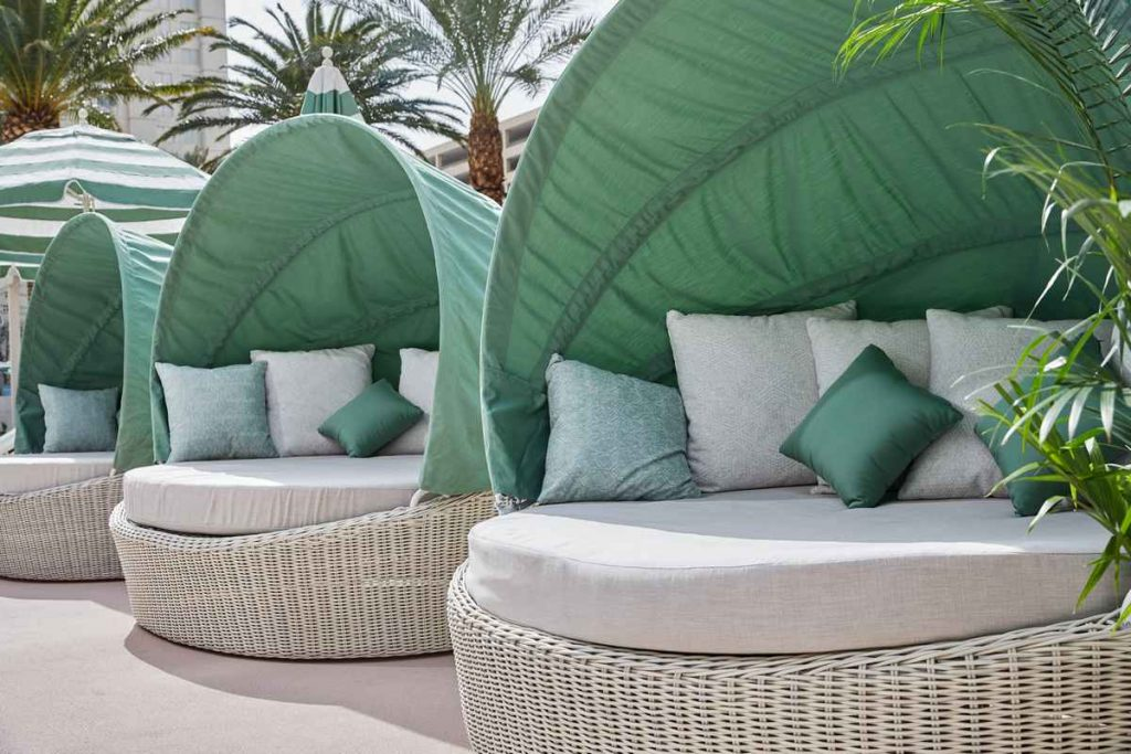 Park MGM Las Vegas Pool Daybed