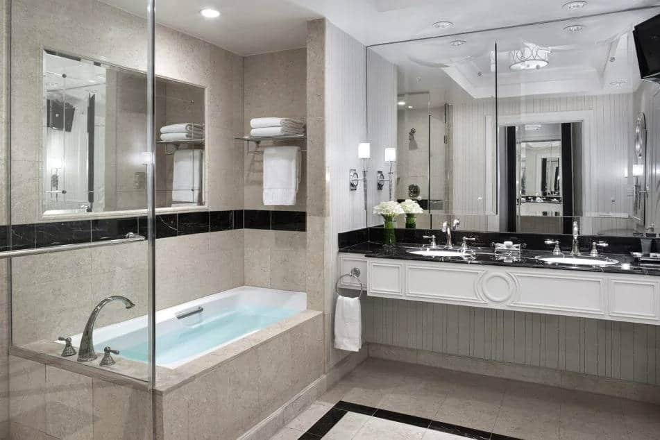 Palazzo Las Vegas Luxury Two Queen Suite Bathroom