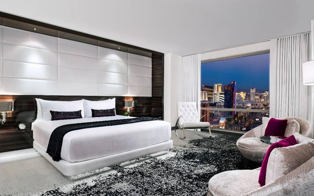 Palms Las Vegas Ivory Suite Bedroom