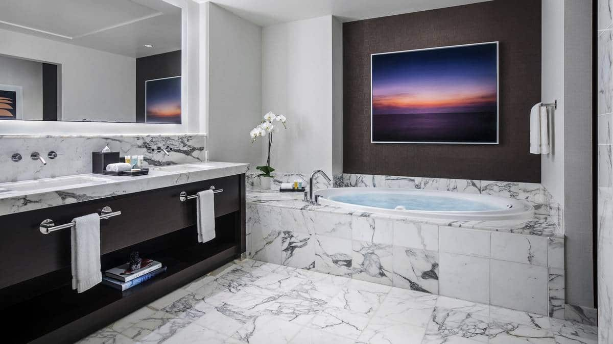 Red Rock Hotel Casino Las Vegas Signature King Suite Bathroom