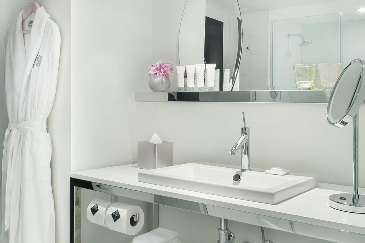 Sahara Las Vegas Marra Junior Suite Bathroom