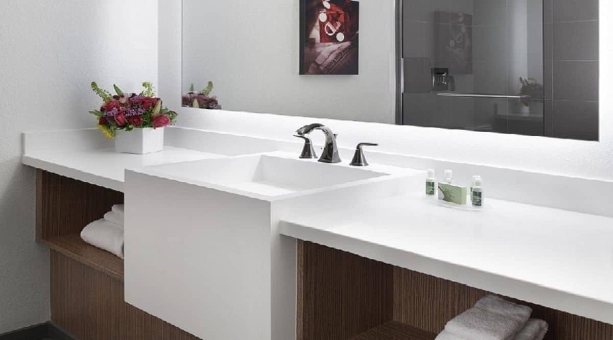 The D Las Vegas Double Queen Room Bathroom