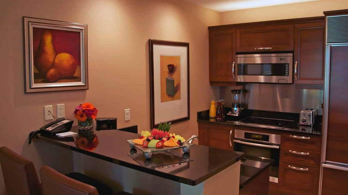 The Signature Las Vegas One Bedroom Balcony Suite Kitchen