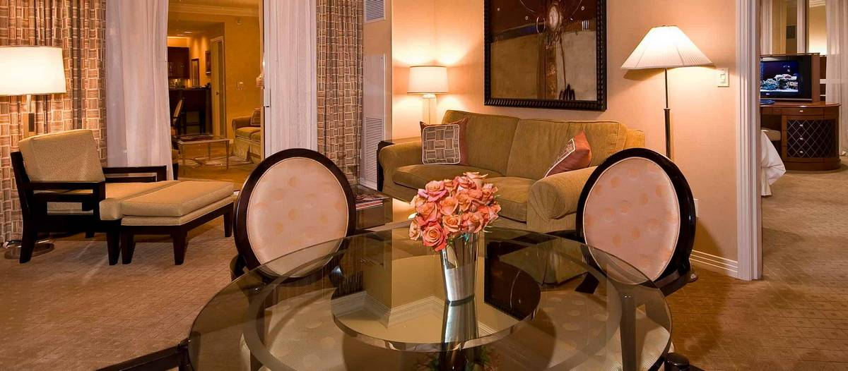 The Signature Las Vegas One Bedroom Balcony Suite