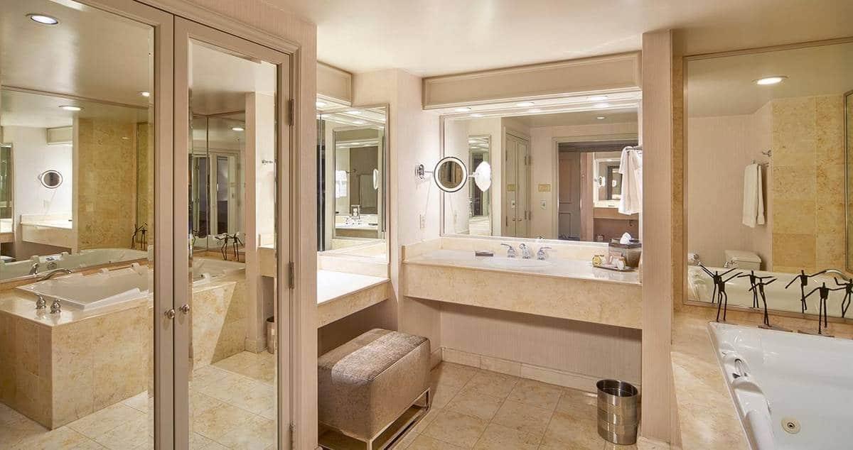 Treasure Island Las Vegas Executive Suite Bathroom