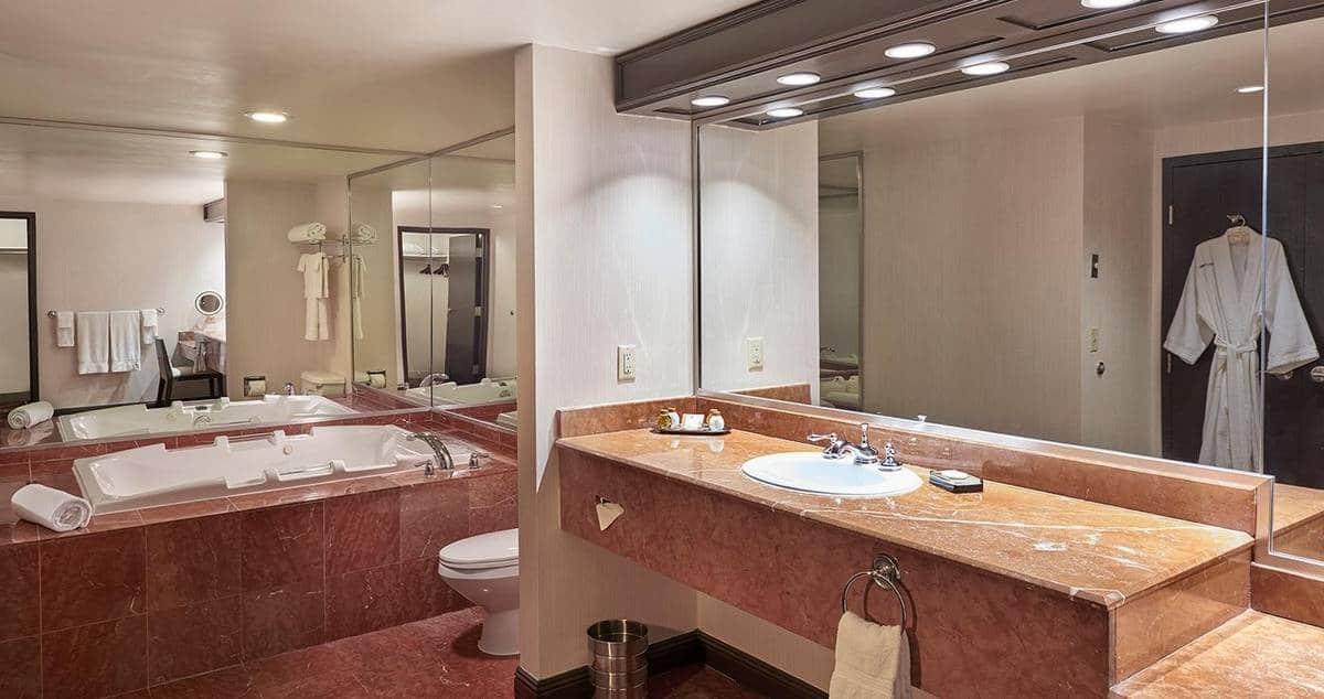 Treasure Island Las Vegas Tower Suite Bathroom