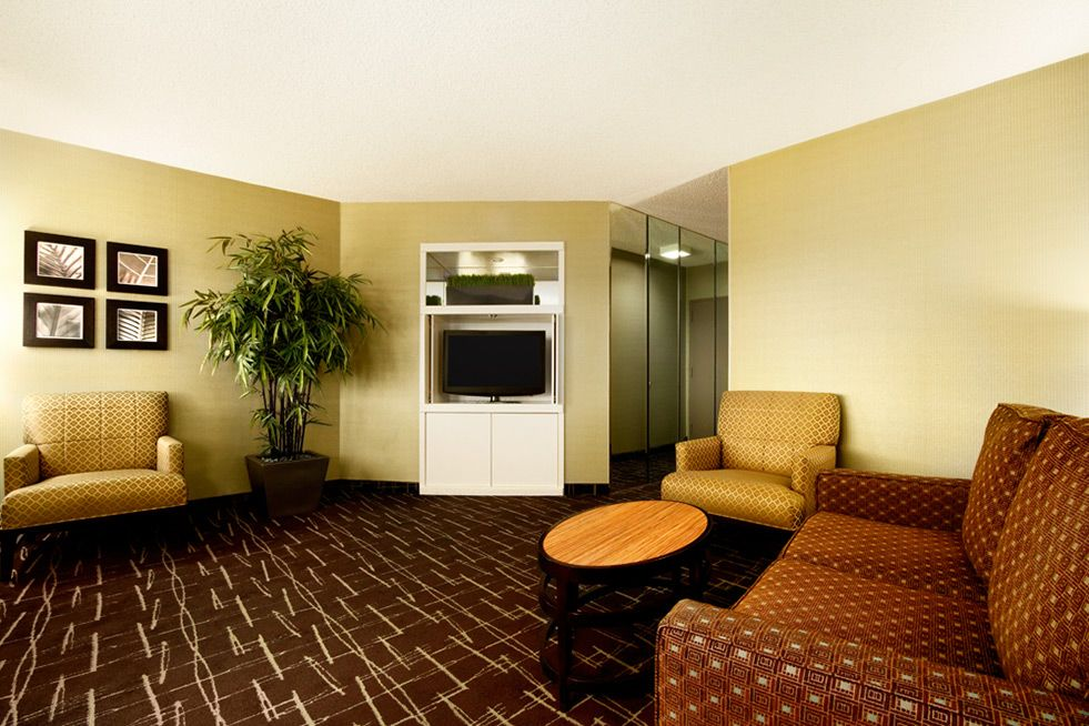 Fremont Las Vegas Deluxe Suite Living Room
