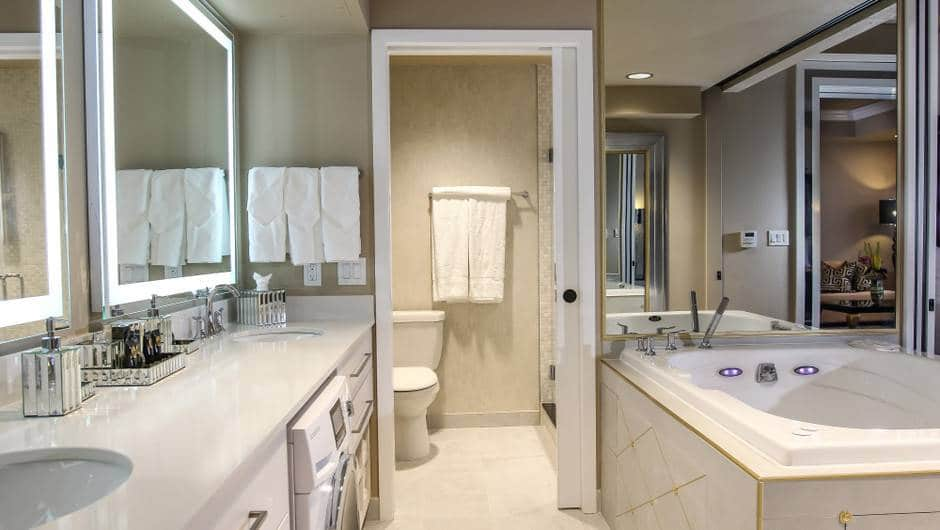 Westgate Las Vegas One-Bedroom Villa Bathroom