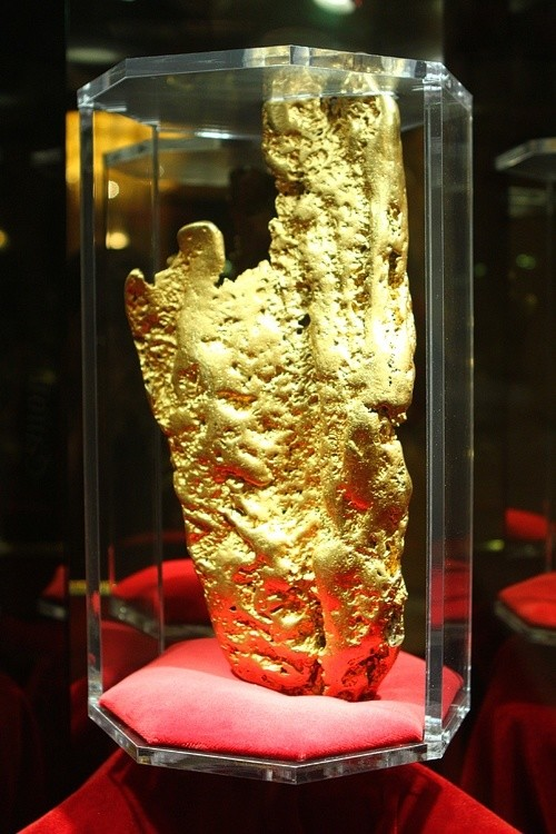 World's Largest Gold Nugget at Golden Nugget Las Vegas