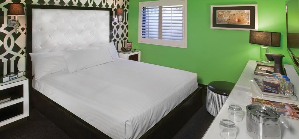 EL Cortez Las Vegas Cabana Suite Bedroom